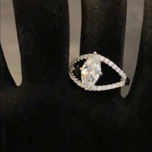 Bella Luce Marquise & Round Diamond Simulant